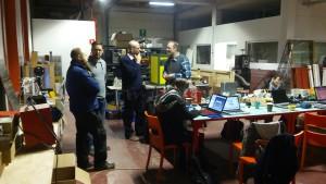 Der vordere Arbeitsbereich der Micro-Factory ist ein Mehrzweckbereich, in dem z.B. Eeektronik- und 3D-Drucker-Arbeiten stattfinden.