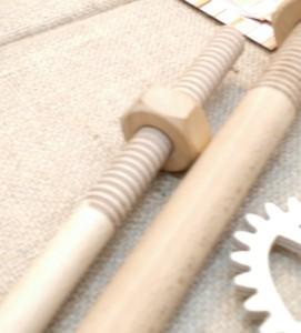 Cool woodworking stuff: Holz-Gewinde und Holz-Zahnräder