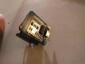 So sieht das Wemos D1 mini von unten aus, man erkennt den USB-Chip samt Anschluss.