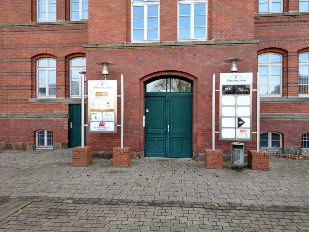 Eingang zum neuen Mindener Innovations- und Technik-Zentrum M.I.T. welches just vor drei Wochen erst offiziell eröffnet wurde.